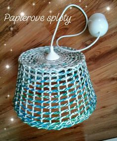 Newspaper Basket, Newspaper Crafts, Crochet Lamp, Crafts To Make, Diy Crafts, Recycled Magazines, Paper Place, Paper News, Macrame Tutorial