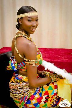 Photos: Ghanaian lady flaunts luscious culture on Birthday African Wedding Dress, African Print Dresses, African Fashion Dresses, African Dress, Nigerian Traditional Dresses, Ghana Traditional Wedding, African Inspired Fashion, African Print Fashion, Moda Afro