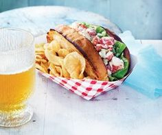 The best classic summer recipes, without a doubt, always involve some sort of seafood ingredient. The key to this delicious dish is how the cool lobster salad tucks into the warm, buttery toasted roll — summer simplicity at its finest. Lobster Tacos, Lobster Rolls, Lobster Salad, Shrimp Salad, Butter Poached Lobster, Good Enough To Eat, Fish And Seafood, Tasty Dishes, Pizza