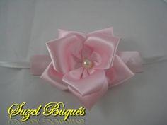 Corsage Rosa Bebê <br> <br>Faça um mimo Para suas madrinhas!!! <br> <br>(Verificar disponibilidade de Cores) <br> <br>Suzel Buquês