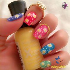 Hoopsie Daisies by Redkoletz - Nail Art Gallery nailartgallery.nailsmag.com by Nails Magazine www.nailsmag.com #nailart