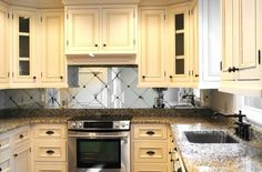 Image from http://st.hzcdn.com/simgs/c181f2f103ee6798_4-3019/traditional-kitchen.jpg.