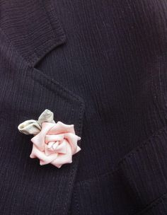 Pink Rose Lapel Pins Mens Lapel Pin Flower Lapel Pin Women | Etsy Mens Hottest Fashion, Custom Lapel Pins, Lapel Flower, Sailing Outfit, Kanzashi Flowers, Vintage Kimono, Fabric Squares, Japanese Fabric, Gifts For Wedding Party