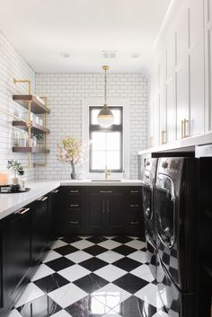 Checkered Floor Kitchen, White Kitchen Floor, Kitchen Decor, Kitchen Design, Kitchen Ideas, White Laundry Rooms, Laundry Room Inspiration, Black Cabinets, Laundry Room Design