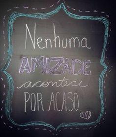 Feliz dia do amigo!  #diadoamigo #amigo #amizade #lousadadiiirce #chalkart #lettering #chalkboard #chalk #quarta #frases #instafrases #instalike