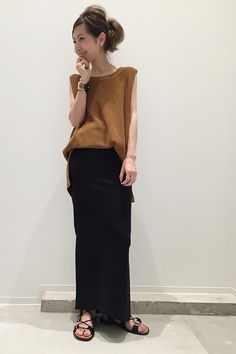 L'Appartement DEUXIEME CLASSE スナップNo22850 メインカット Minimal Chic. Street Style. Modern Eclectic. City Fashion. New York Street Style.