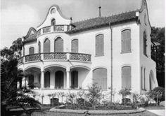 Palacete em estilo arte nouveaux.  - Projetada pelo arquiteto Victor Dubugras, a residência de Horácio Sabino foi demolida nos anos 50 para a construção do Conjunto Nacional.