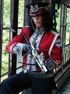 Steampunk army (I think that her clothing is more Dieselpunk than Steampunk).