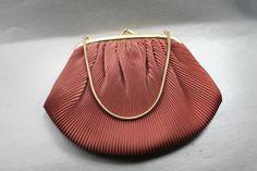 HL USA 1950s Pink Clamshell Clutch #etsy #etsyseller #EtsyShop #fashion #style #purses #shopping #holidayshopping #holidays