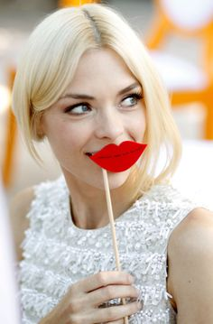 JAIME KING I don't really think this is fugly. I actually think it's really sort of charming. Jaime King, Red Lip Makeup, Hair Makeup, Party Makeup, Wedding Makeup, Victory Rolls, Moustaches, Glamour, Just Smile