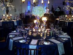 Navy Crinkle table linens