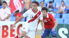 De los 12 partidos que la Selección Peruana ha jugado bajo el mando de Ricardo Gareca, Christian Cueva ha sido el titular en 11 de esos encuentros. Tras su expulsión ante Chile le hicimos una pregunta a los lectores de Depor: ¿quién debería reemplazar a 'Aladino' ante Paraguay? Octubre 15, 2015.