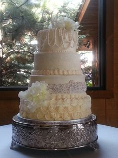 Pearl wedding cake by SugarArt Cakes by Kassie