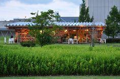 Kenen Kuma's Jenga-Like Cafe Kureon é feito a partir de pilhas de logs com destino local O Korton de madeira do Kengo Kuma é projetado para desmontagem - Inhabitat - Green Design, Inovação, Arquitetura, Green Building