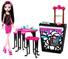 This CreepateriaYes set -- that comes with DraculauraYes doll -- lets girls play out favorite scenes from the webisodes. Ready for all the ghouls' lunch needs, the Monster HighYes cafeteria features s