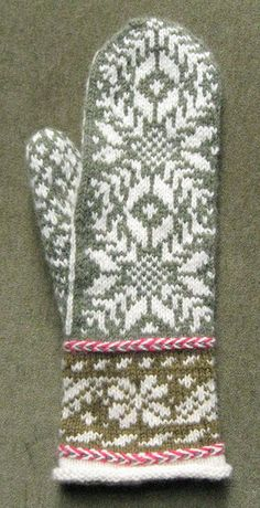 Reykjavik pattern by Carol Sunday Beautiful Reykjavic by Carol Sunda Knitted Mittens Pattern, Crochet Mittens, Fingerless Mittens, Knitted Gloves, Knit Or Crochet, Knitting Designs, Knitting Projects, Knitting Patterns, Fair Isle Knitting