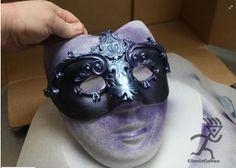 Fondant Masquerade mask tutorial