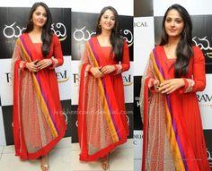anushka-shetty-rudhramadevi-trailer-launch