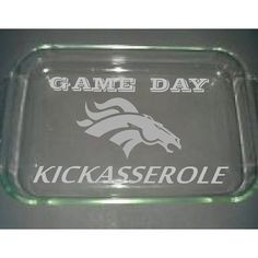 :) GREAT FOR GETTING YOUR DISH BACK AT PARTIES OR SHOWING OFF YOUR KICKASSEROLE AND TEAM SPIRIT. COMES WITH THE LID.    1. Purchase the pictured team or let us know your team in the notes section at checkout.    Need a different design or more customizing please request a  CUSTOM ORDER-    The listing is for a custom etched Casserole dish Large size. Devner logo with GAMEDAY at the top and KICKASSEROLE at  the bottom.     *Our etching will NOT fade, wash off or affect the the dish in…