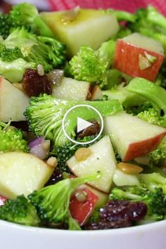 Easy, Healthy broccoli salad with raisins, apples and no mayo veganinthefreezer salads sides apple applesalads broccolisalads 145663369187518507 Apple Broccoli Salad, Broccoli Salad With Raisins, Broccoli Cauliflower Salad, Carrot Salad, Apple Salad, Broccoli Cheddar, Roasted Cauliflower, Best Salad Recipes, Healthy Dinner Recipes