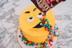 Online Cake Delivery in Thane: We are one of the leading online cake delivery shop in Thane. Buy and send cake to Thane with your best price on same-day delivery. Happy Birthday Cake Pictures, Birthday Cake With Photo, Happy Birthday Wishes, Free Birthday, Dinosaur Birthday, Oreo Torte, Biscuits Croustillants, Red Wine Gravy, Candy Pictures