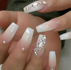 ❁ Weitere Nagel-Pins, Wie Diese Folgen Sie The Effective Pictures We Offer You About wedding nails for bride kat von d A quality picture can tell you many things. Nail Designs Bling, Nails Design With Rhinestones, Cute Acrylic Nail Designs, Nail Art Designs, Diamond Nail Designs, White Nail Designs, Ongles Bling Bling, Rhinestone Nails, Bling Nails