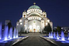 © Jasmina81/Getty Images Catedral San Sava, Serbia Es la iglesia ortodoxa más grande de Serbia y se encuentra en Belgrado. Su construcción comenzó en 1935 y se completó en 1989.