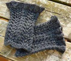 ... gehen immer und immer wieder... nicht nur, aber auch in schwarz oder dunkelgrau.... Verbrauch: 24 g Regia High Twist Merino Sockenwol...