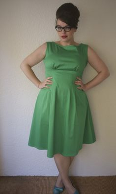 Such a cute dress, and what a great color! I could design a pattern for this, maybe ... ???