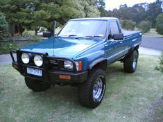 MANHYPERSS's 1985 Toyota HiLux Toyota Pickup 4x4, Toyota Trucks, Lifted Trucks, Chevy Trucks, Pickup Trucks, Toyota Hilux, Toyota Tacoma, Mini Trucks, Cool Trucks