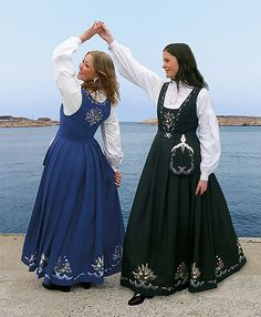 Hvalerdrakt Norwegian Clothing, Belly Dance Lessons, Folk Clothing, Traditional Dresses, Norway, Dress Up, Reference Images, Costume Ideas, Clothes