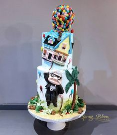 Disney Themed Cakes, Disney Cakes, Wedding Cake Fresh Flowers, Wedding Cakes, Walt Disney, Disney Pixar, Cartoon Cookie, Marvel Cake, Fantasy Cake