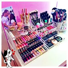 t's the little things that make me happy!  #ilovemakeup!