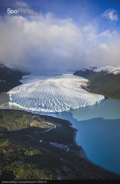 Aerial view of glacier in rural landscape, El Calafate, Patagonia, Argentina | 500px Prime  Argentina Paisagens  Para obtener información, acceda a nuestro sitio  http://storelatina.com/argentina/travelling #paisagens #viajando #argentinatravel #ArgentinaPaisagens
