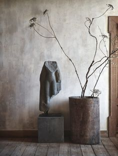 Interior lessons to learn from Axel Vervoordt - Minford by Twig Hutchinson Grote ramen, kleine Wabi Sabi, Interior Natural, Axel Vervoordt, Stone Carving, Ikebana, Interior Inspiration, House Design, Interior Design, Interior Styling