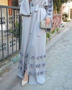 Gri Abaya. #EsteeAudra #goodnigt