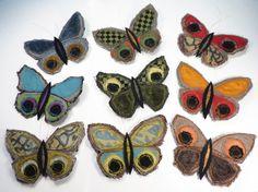 farfalla stoffa riciclata,spilla farfalla,spilla tessuto,farfalla arte tessile,spilla stoffa,gioielli tessuto,upcycled jewelry,spilla boho di decorandom su Etsy