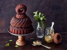 Suklaakuivakakku   Valio Decadent Cakes, Piece Of Cakes, V60 Coffee, Coffee Cake, Beautiful Cakes, Yummy Cakes, Chocolate Cake, Cake Recipes, Cheesecake
