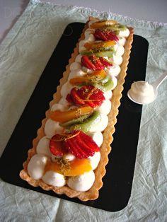 Se ad un'ottima frolla ispirata a quella di Montersino si unisce la namelaka al cioccolato bianco si ottiene una crostata croccante so...