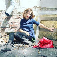Если села в лужу сиди красиво!) #artiststyle #artistlife #artistday #fashion #fashionfoto #artist #performance #conteporaryart #art #artblogger #instaart #instaartist #vrn #vrnlife
