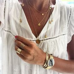 Moda hipster casual necklaces ideas for 2019 Moda Hijab, Boho Jewelry, Fashion Jewelry, Jewelry Trends, Trendy Jewelry, Gold Jewellery, Women Jewelry, Sandro, Moda Lolita