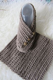 Try this easy crochet slipper free pattern for beginners. This house shoe for a woman is made from a simple rectangle. The crochet tutorial also includes a step by step video. Easy Crochet Slippers, Knit Slippers Free Pattern, Crochet Shoes Pattern, Crochet Socks, Free Crochet Slipper Patterns, Crochet Slipper Boots, Crochet Stitches, Pattern Sewing, Beginner Crochet Pattern Free