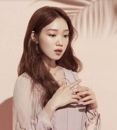 Lee Sung Kyung before this drama was just a pretty face to me. I know her as the very beautiful model and nothing more, however starring in Weightlifting Fairy Kim Bok Joo really changes my view on her. Korean Actresses, Korean Actors, Yg Entertainment, Sehun, Korean Girl, Asian Girl, Kdrama, Asian Beauty, Korean Beauty