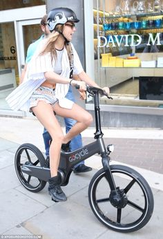 The Cyclechic Blog: Cara Delevinge wears our Bern London Skyline helmet! £49.99