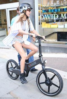 The Cyclechic Blog: Cara Delevinge wears our Bern London Skyline helmet! £49.99