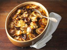 Merimiespihvi | Valio Chicken Wings, Cereal, Meat, Baking, Breakfast, Food, Recipes, Morning Coffee, Bakken