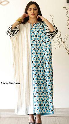 Robes d'hotesse African Fashion Dresses, African Dress, Fashion Outfits, Mode Abaya, Mode Hijab, Arab Fashion, Muslim Fashion, Mode Kimono, Sleeves Designs For Dresses