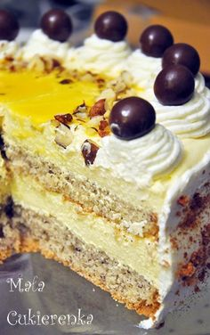 Nut cake with egg liqueur