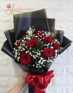 Red Flower Bouquet, Beautiful Bouquet Of Flowers, Diy Bouquet, Amazing Flowers, Boquet, How To Wrap Flowers, Diy Flowers, Church Flower Arrangements, Floral Arrangements