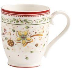 """Der Kaffeebecher """"Winter Bakery Delight"""" kommt aus dem Hause VILLEROY & BOCH. Mit über vier Jahrhunderten Erfahrung gehört das renommierte Unternehmen zu einem der traditionsreichsten Fabrikate in Deutschland. Ihre neue Kaffeetasse entstammt der beliebten weihnachtlichen Serie und besticht mit der besonders liebevollen Verzierung auf dem Porzellan. Die Motive sorgen für die richtige Weihnachtsstimmung und passen perfekt zu einem Teller frisch gebackener Kekse. Diese T"""